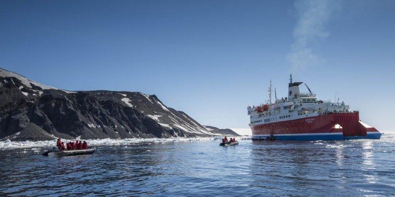 shackleton adventure tour antarctica